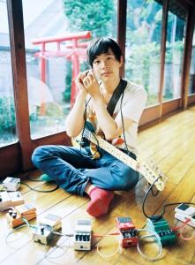 Dustin Wong (photo by Hiromi Shinada)