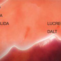 Lucrecia Daltの本日発売のニュー・アルバムからタイトル・トラック「No era sólida」のリリック入りのMVが公開